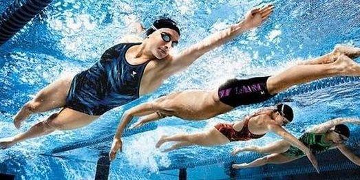 Физическая активность в воде укрепляет мышцы и уменьшает чувство боли, улучшает состояние нашего организма, исправляет недостатки осанки, укрепляет скелет, предотвращает искривление позвоночника.