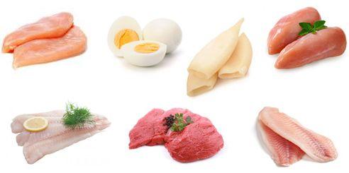 Убедитесь, что получаете белок из постных продуктов: грудки индейки/курицы, молочных продуктов с малым содержанием жира, яичного белка