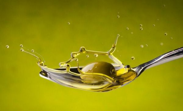 Самое полезное из всех масел — оливковое масло первого, холодного отжима,