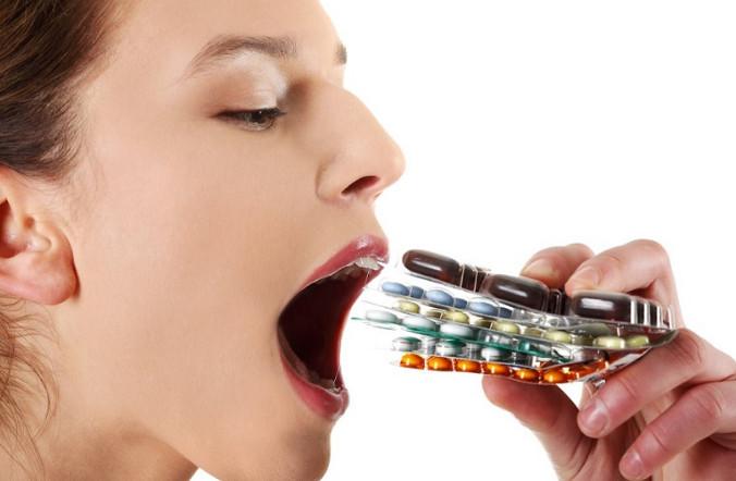 Медикаменты негативно воздействуют на кишечник.
