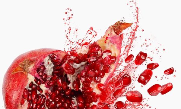 Регулярное употребление гранатов является прекрасным способом профилактики появления атеросклеротических бляшек и тромбов на стенках артерий.