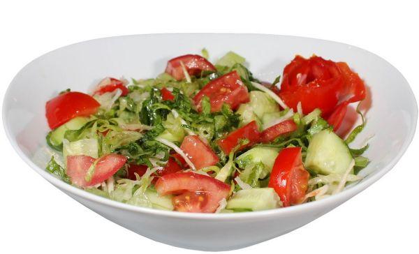Рецепт: Салат из огурцов и помидоров